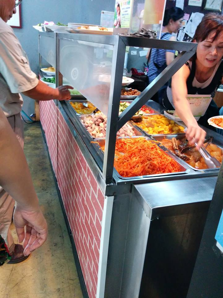 chinesepod lady serving food